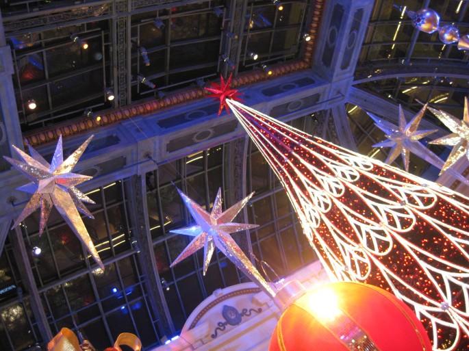 Pretty Bellagio Christmas decorations